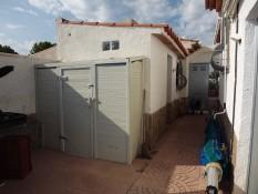 exterior-cuarto-lavadero-en-parte-trasera-vivienda.jpg